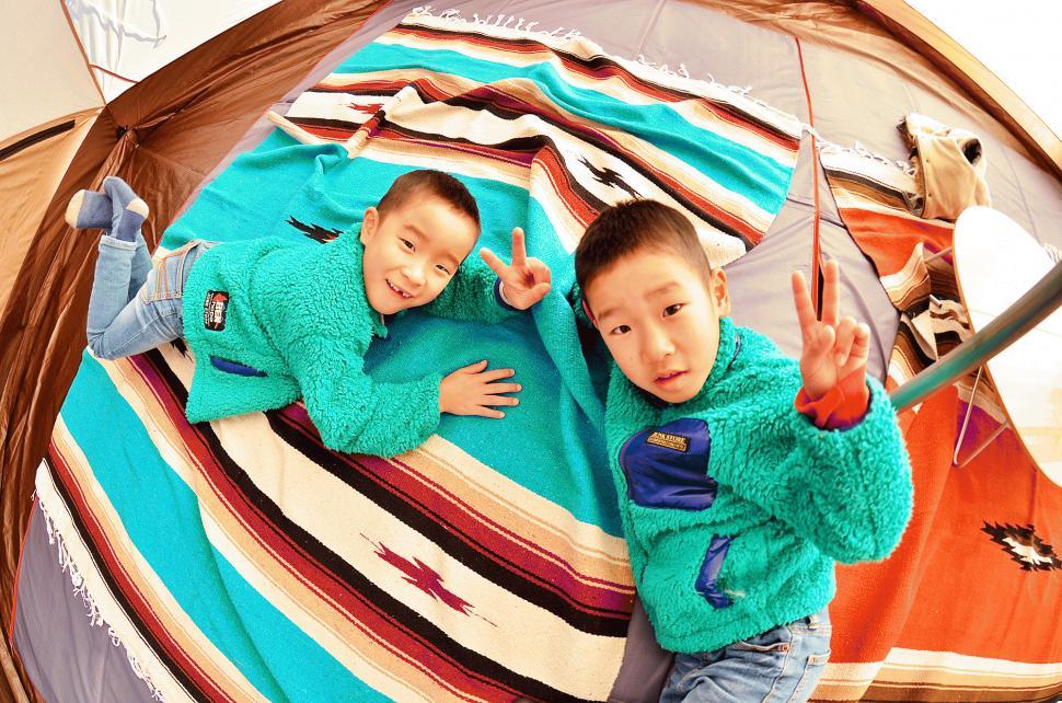 キャンプでは子供たちが楽しく遊んでいるのを、横でまったりと見ているのが好きですね。:写真